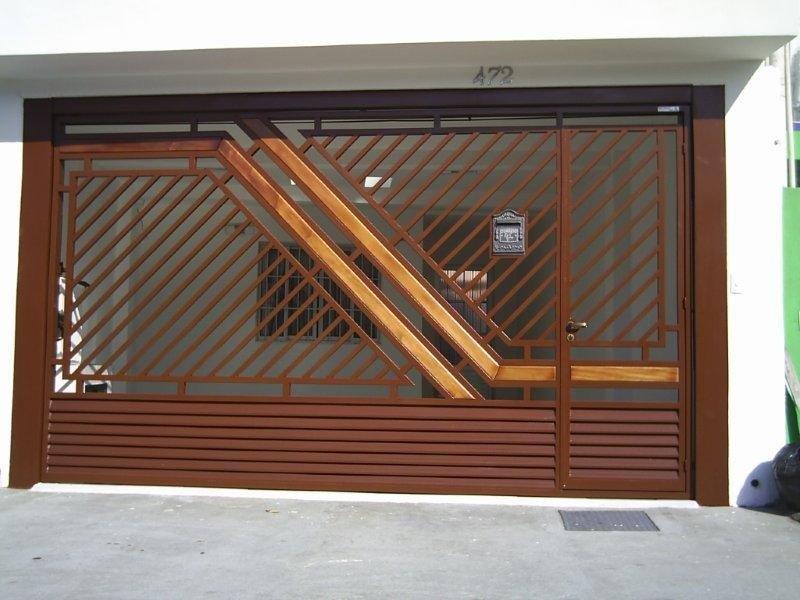 Portão articulado basculante