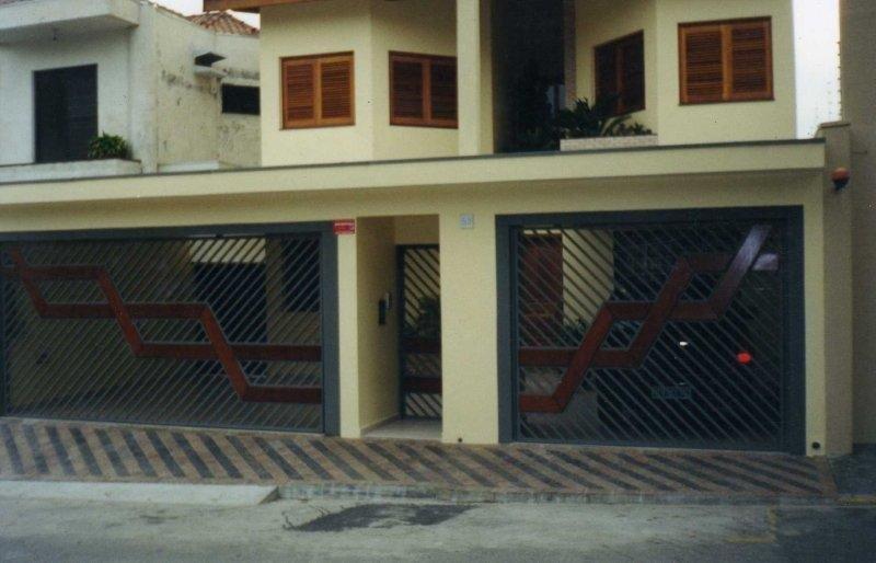 Portão automático de garagem
