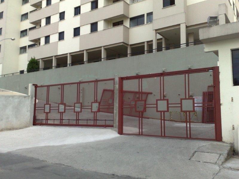 Portões de garagem condomínio