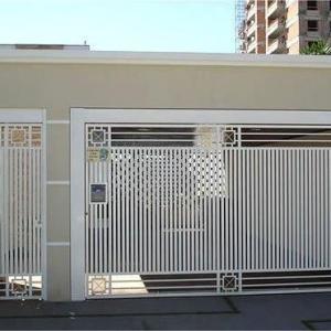 Portão de garagem residencial